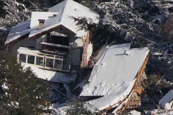 Eines Der Drei Vom Erdrutsch Zerstörten Häuser