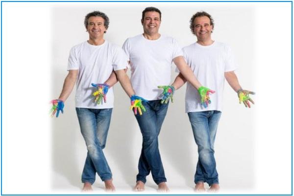 Giovanni Alessandro Und Stefano Podini Posieren Mit Bemalten Händen