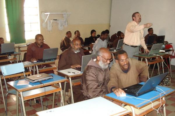 Die Kapuziner Besuchen Die Computerstunde