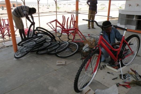 Il Montaggio Delle 700 Biciclette