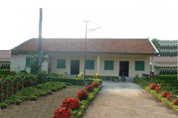 Der Nursery, In Dem Jährlich über 400 Kinder Und Neugeborene Untergebracht Sind, Wurde Mit Lebensmitteln, Milch Und Medikamenten Versorgt